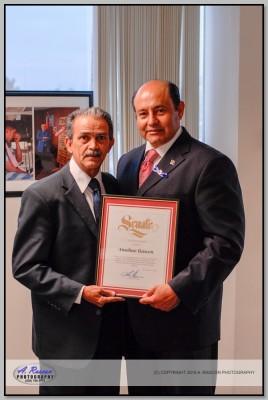 Senador Lou Correa de California