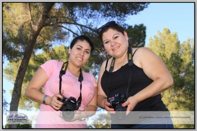 Mis alumnas Cecilia y Mayra Coronado en una clase
